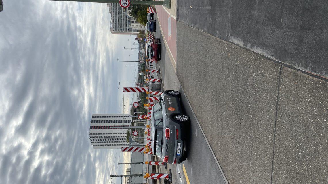 20.10.2019 Kurt-Schumacher-Brücke Brücke auch Stau denke die Pfalz wird abgespaltet.