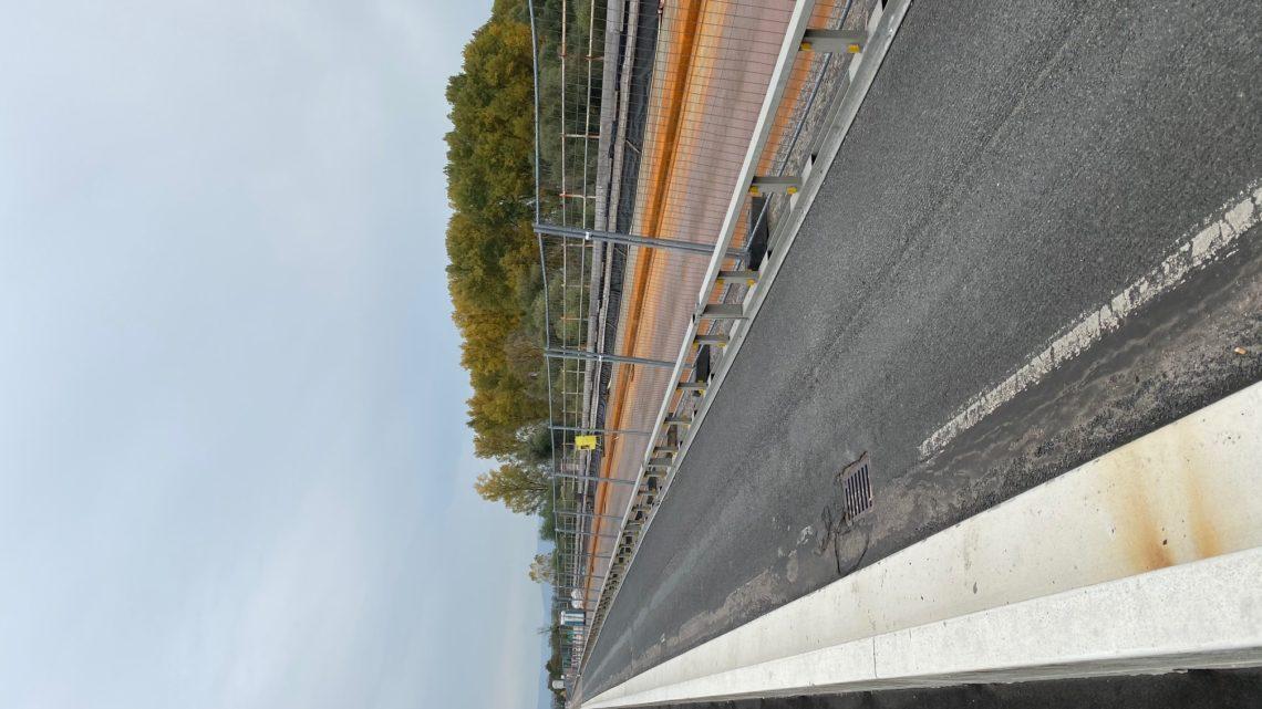 29.10.2019 Baustelle Salierbrücke 15,45 UHR 7 MANN auf der Brücke unten 2 !