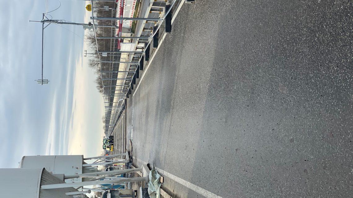 Montag den 16.12.2019 14,35 es sind 2 Arbeiter auf der Pfälzer Seite zu sehen 4 Badische Seite unter der Brücke 2 Mann . Demo am 28.03.2020 Treffpunkt 11 Uhr Altpörtel